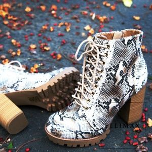 NEW🔥 Snake Lace Up Ankle Boot Booties Chunky Heel